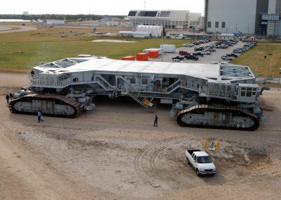 8) Crawler Transporter